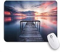 GUVICINIR マウスパッド 個性的 おしゃれ 柔軟 かわいい ゴム製裏面 ゲーミングマウスパッド PC ノートパソコン オフィス用 デスクマット 滑り止め 耐久性が良い おもしろいパターン (日没で木製の桟橋の海を橋します。)