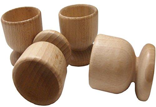 4 braune Eierbecher aus Holz