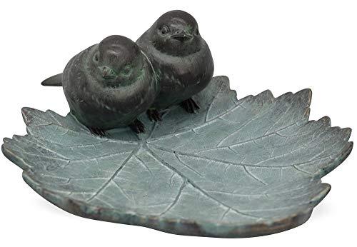Matches21 Abreuvoir pour oiseaux couple d'oiseaux sur feuille Aspect antique En polyrésine 25,6 x 19,7 cm