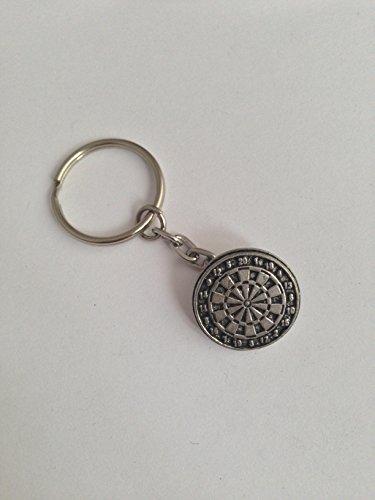 Prideindetails S18 Kleine Dartscheibe aus feinem englischen Zinn an einem Schlüsselring mit Spaltring, handgefertigt, in Sheffield.