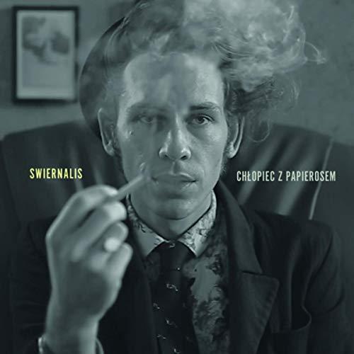 Chłopiec z papierosem