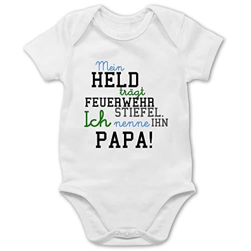 Shirtracer Feuerwehr Baby - Mein Held Papa Feuerwehr Junge - 12/18 Monate - Weiß - Mein held trägt Feuerwehrstiefel - BZ10 - Baby Body Kurzarm für Jungen und Mädchen