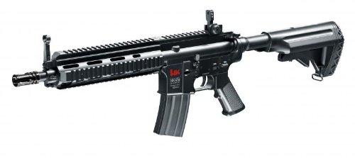 Heckler & Koch HK416 CQB Arma per softair con motore elettrico Lunghezza: 725 - 795 mm, peso: 1455 g Max 0,5 joule, calibro 6 mm, capacità caricatore: 300 colpi Accessori: batteria, caricatore; velocità di sparo: 73,5 m/s