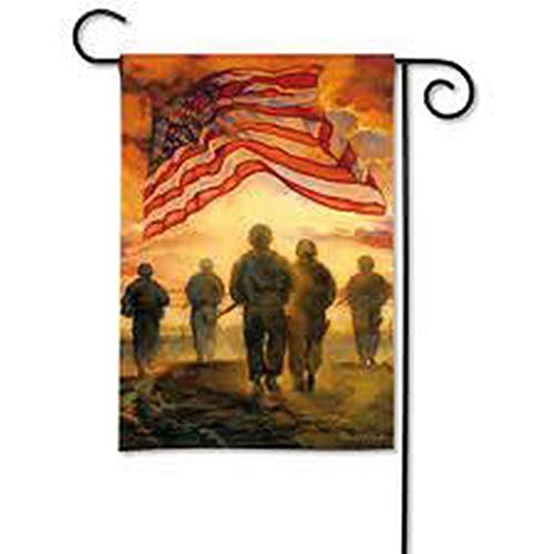MagnetWorks MAIL39675 American Heroes Garden Flag