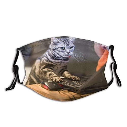 JorgAkem Cat In The Galaxy Cute Cat Can Play Computer Maschera facciale riutilizzabile protezione lavabile con 2 filtri regolabili per uomini e donne adulti.