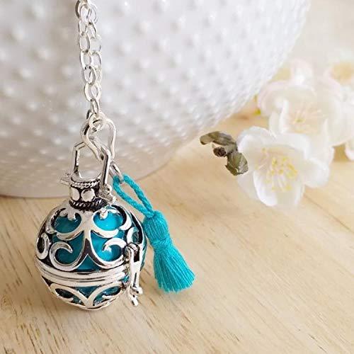 Bola de Grossesse avec chaine Lestari, PERSONNALISABLE, cage argentée arabesques, bille bleu turquoise, avec pompon bleu turquoise