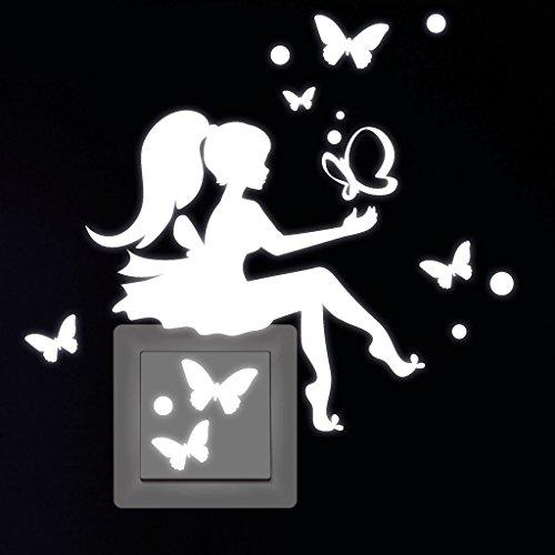 """Wandtattoo-Loft Leuchtaufkleber """"Kleines Feenmädchen mit Schmetterlinge"""" für Lichtschalter oder Steckdose/Fluoreszierend und im Dunkeln Leuchtend"""