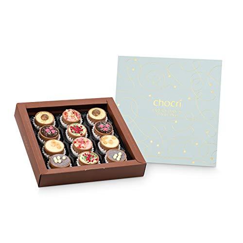 chocri 'Everyday's Darling' Cup-Pralinenbox - 12 handgemachte Pralinen-Cups gefüllt mit frühlingshaften Füllungen in einder golverzierten Geschenkverpackung - Geschenk für jeden Anlass - 240g