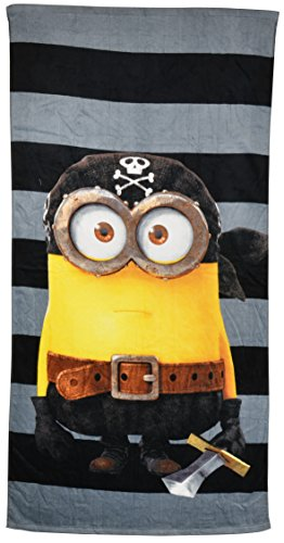 Minions Beach Towel: Minion Pirate, 150 x 75 cm