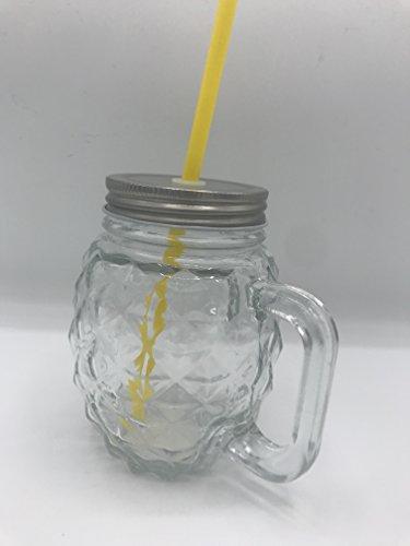 Werner Voss beber Piña (Cristal con pajita Amarillo)