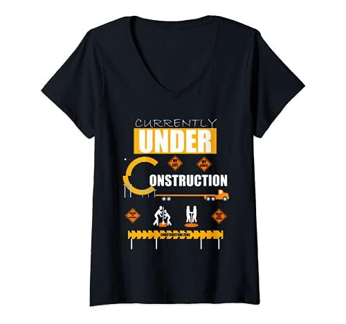 Mujer Actualmente en Analogía de Zonas de Construcción para Objetivos de Vida Camiseta Cuello V