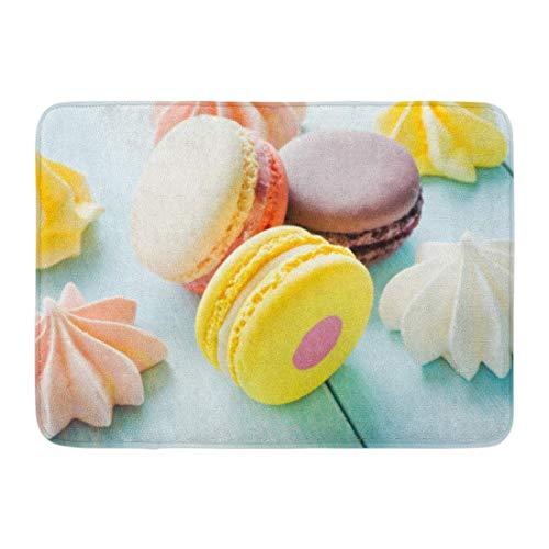 Badteppich Weißer Keks Bunte Mandelmakronen & -meringen auf blauem flachem Dof Pink Baking Yellow Cake Bathroom Decor Rug