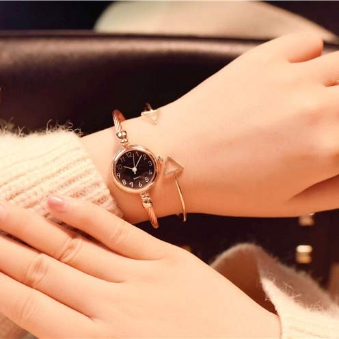 WZFCSAE Small Fashion Women Watches 2018 Popular Brand Simple Numeri Bracciale Watch Retro Ladies Quartz Orologio da Polso Orologio Donna, Rose Gold Nero
