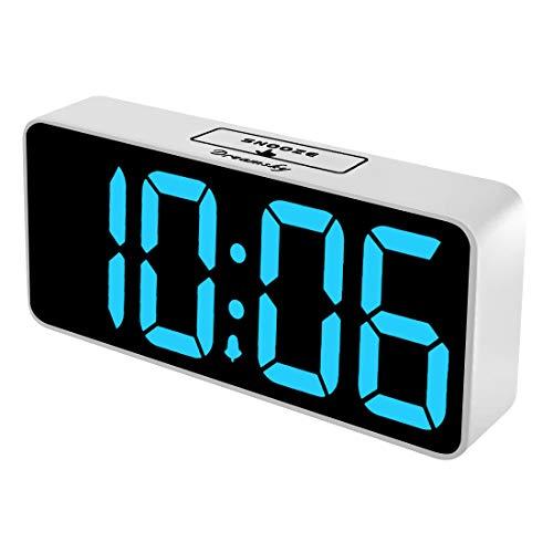 DreamSky Extra Großer Digitaler Wecker mit USB-Ladeanschluss, Große LED Ziffern Display (23 * 11 * 5), Lauter Alarm, Helligkeit und Lautstärke Regelbar, Snooze, 12/24HR, Netzbetrieben(Weiß)