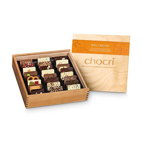 chocri 'Weltreise' - scatola regalo in legno composta da 24 cioccolatini artigianali con ingredienti da tutto il mondo - confezione regalo cioccolatini per ogni occasione - Fairtrade & handmade - 165g