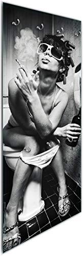 Wallario Wandgarderobe aus Glas in Größe 50 x 125 cm in Premium-Qualität, Motiv: Kloparty - Sexy Frau auf Toilette mit Zigarette und Schnaps | 7 Kleiderhaken zum Aufhängen von Jacken