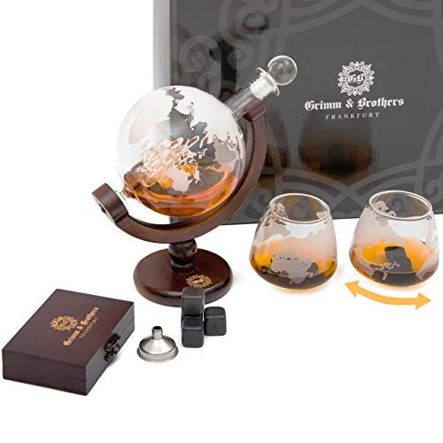 Grimm & Brothers: Whiskey Karaffe 850ml- 2 Whisky Gläser- 9 Whiskey Steine- Whiskey Geschenk- ECHTHOLZ- Whiskey Zubehör- Männer Geschenke- Whisky Karaffe Globus mit Gravur- Luftdichter Verschluss