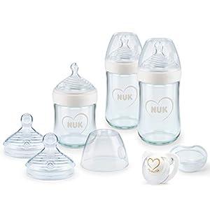 NUK Nature Sense kit de biberones de iniciación de cristal, 0-6 meses, 3 biberones anticólico, tetinas y chupete Genius, Sin BPA, Gris y blanco, 7 unidades