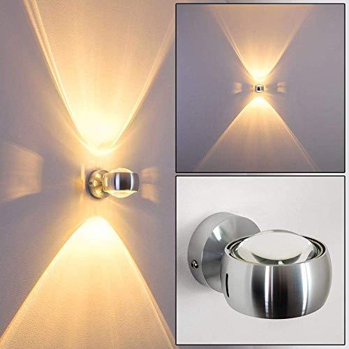 Wandlamp half rond in zilver met zijsplitjes voor grote lichtpatronen - dimbare effectlamp voor de woonkamer of andere kamers in zilverkleurig metaal