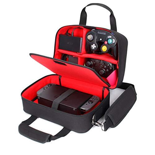 USA Gear - Estuche De Transporte para Consola Electrónica con Almacenamiento para Controladores, Cables, Auriculares Y Correa para El Hombro - Compatible con Consolas Nintendo, Switch Y Wii U - Rojo