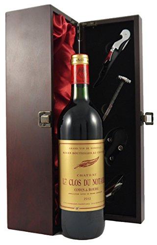 Chateau Clos du Notaire 1981 Bordeaux in einer mit Seide ausgestatetten Geschenkbox. Da zu vier Wein Zubehör, Korkenzieher, Giesser, Kapselabschneider,Weinthermometer, 1 x 750ml