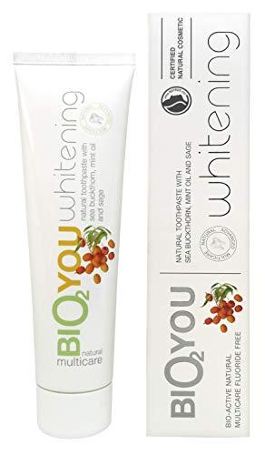 BIO2YOU Natürliche Whitening Zahnpasta - für einen frischen Atem, ein strahlenderes und weißeres Lächeln - Sanddorn, Minze und Salbei - zur Beruhigung und zum Schutz des Zahnfleisches, 4er-Pack