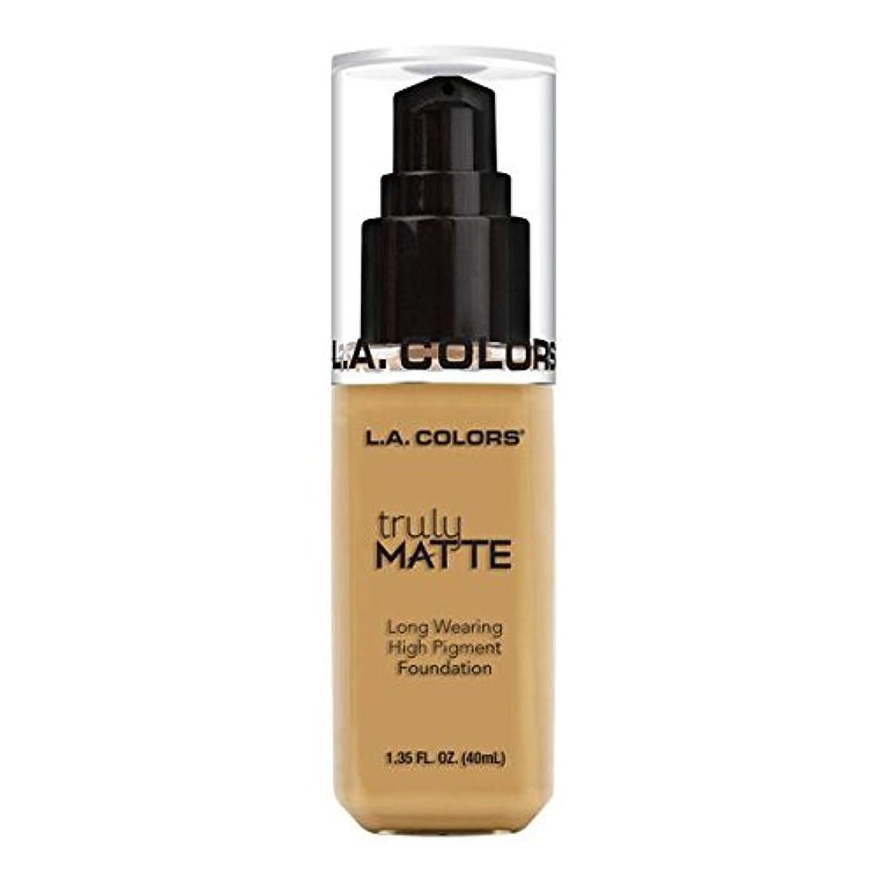 研磨スカルク同封する(6 Pack) L.A. COLORS Truly Matte Foundation - Nude (並行輸入品)