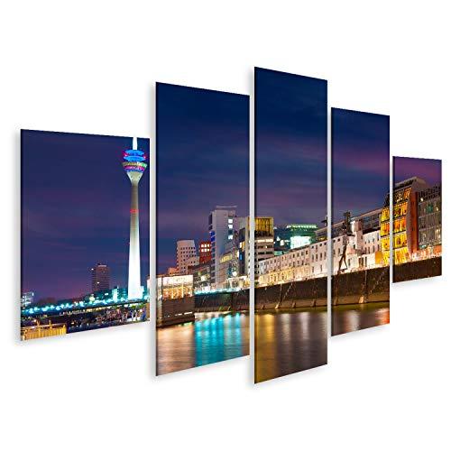 Bild Bilder auf Leinwand Bunte Nachtszene des Rheins bei Nacht in Düsseldorf. Rheinturm im weichen Nachtlicht, Nordrhein-Westfalen, Deutschland, Europa. Wandbild, Poster, Leinwandbild QHL