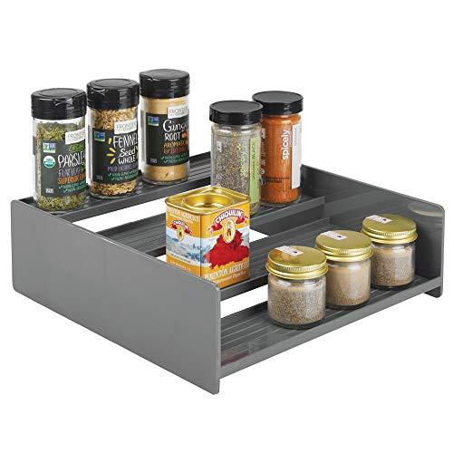 mDesign Gewürzhalter aus Kunststoff – praktisches Gewürzregal für Regal und Küchenschrank – platzsparende Ablage mit vier Ebenen – dunkelgrau