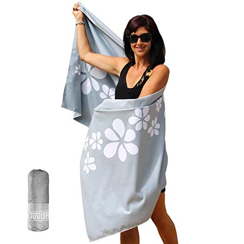 Tuvizo Beach Towel