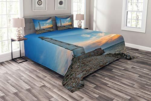 ABAKUHAUS maritim Tagesdecke Set, Leuchtturm am Sonnenuntergang Meer, Set mit Kissenbezügen Ohne verblassen, für Doppelbetten 264 x 220 cm, Azure Blau Multicolor
