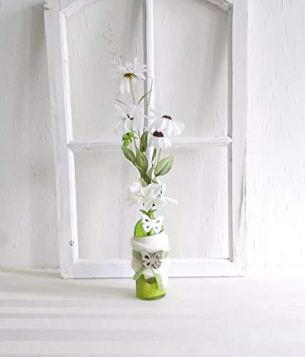 Tischdeko, dekorierte Glas-Flasche mit weißen Kunstblumen, Gesteck, modern
