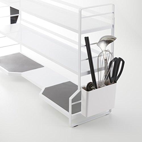 キッチンツールを収納できるカトラリーポケット付き。フックも付いているのでサイドに調理道具などを掛けられて機能的です。