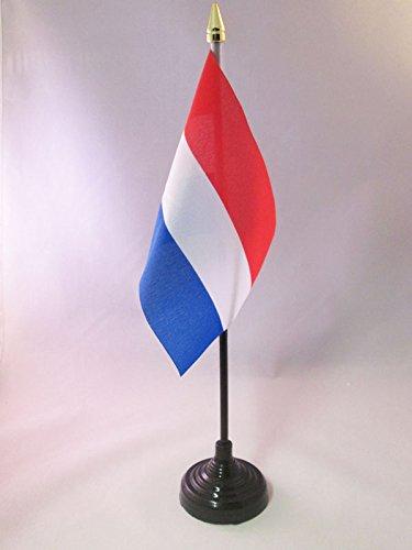 AZ FLAG Nederländernas bordsflagga 10 x 6 tum - holländsk skrivbordsflagga 15 x 10 cm - gyllene spjut topp