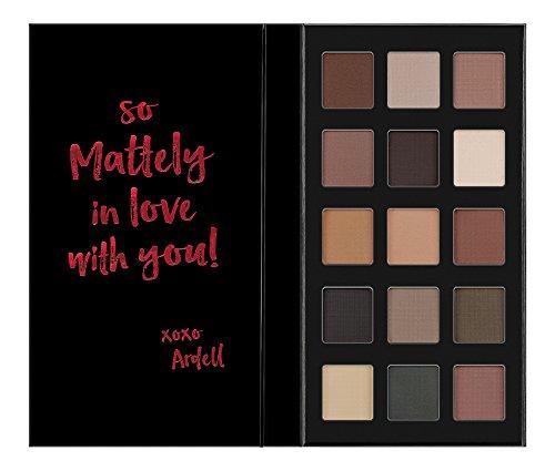 Paleta De Sombras De Ojos Pro Eyeshadow Palette, Set De 15 Tonos Mate Ardell Beauty