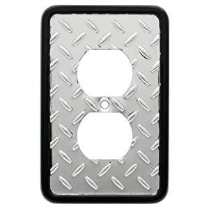 Diamond Plate Single Duplex Wall Plate, Packaging may Vary