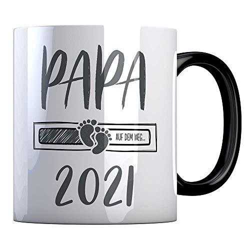 Tassenbude Kaffee-Tasse Papa 2021 loading Geschenk-Idee für werdende Papas Schwangerschaft Geburt Baby beidseitig bedruckt schwarz spülmaschinenfest