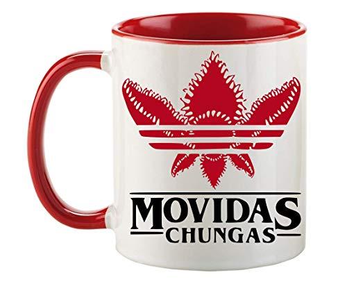 FUNNY CUP Taza Stranger Things Movidas Chungas. Taza Divertida de Regalo para los Amantes de la Serie de Netflix. Taza Color (Rojo)