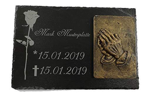 Gedenkstein für Grab personalisiert mit Namen | Gedenktafel aus Schiefer | Grabplatte aus Stein für Urne 20 x 30 cm graviert | Ornament beetende Hände | Grabschmuck für Friedhof | Grabstein Urnengrab