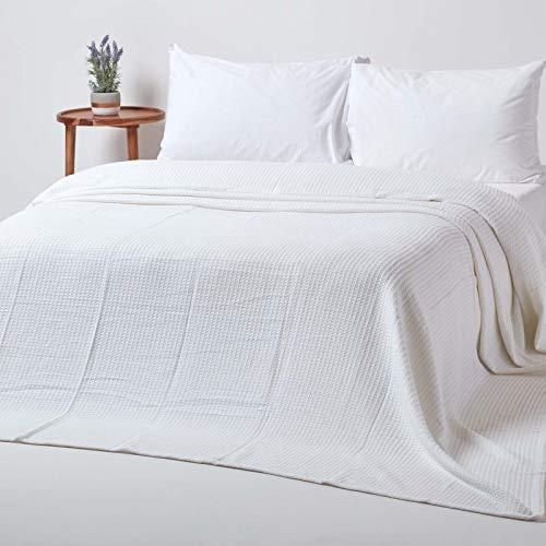 Homescapes Tagesdecke, Bettüberwurf aus 100prozent Bio-Baumwolle, weiß, Piqué-Waffeldecke 230 x 250 cm
