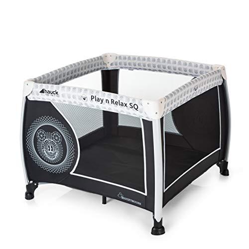 Hauck Disney Laufstall Play N Relax SQ / Reisebett für Babys und Kinder / ab Geburt bis 15 kg / Quadratisch 90 x 90 cm / Kompakt Faltbar / Inkl. Trage Tasche / Mickey Cool Vibes / Schwarz