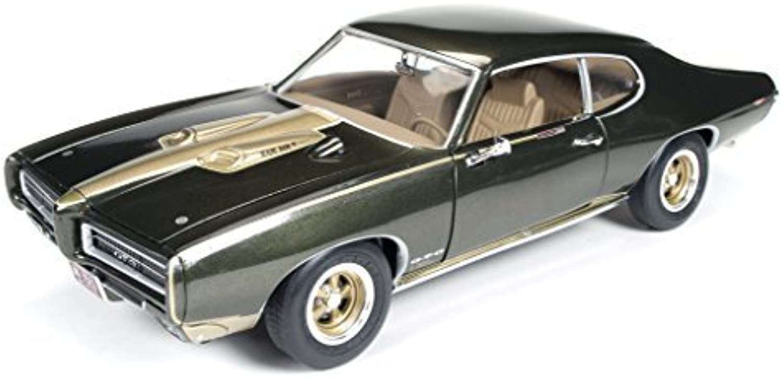 1969 Pontiac GTO Royal Bobcat Royal Pontiac 1 18 Limited to 1250pc by Autoworld AMM1042 by Auto World