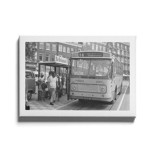 Bus Stop Bijlmer Amsterdam - Walljar - Muurdecoratie - Schilderij - Canvas