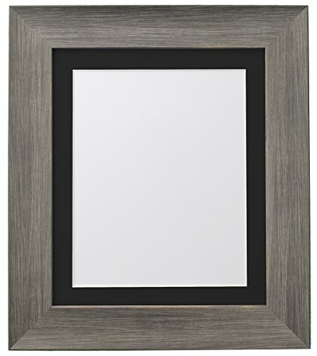 Frames By Post Poster Hygge Bear Creek fotolijst Zwarte passe-partout 50 x 70 cm Image Size 24 x 16 Inches Wolf Grey.