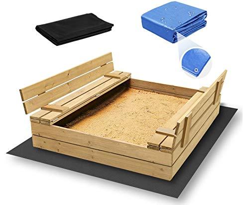 ADGO Bac à sable en bois fermé de 120 x 120 cm avec bancs. Le kit contient un non-tissé en agotextile pour l'isolation du sol et une housse de protection contre la pluie (non peint).