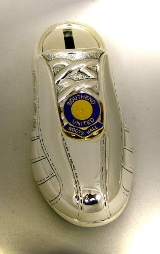 Bañado en plata diseño de bota de fútbol Hucha - insignia de mediante hilos de pesa de fútbol