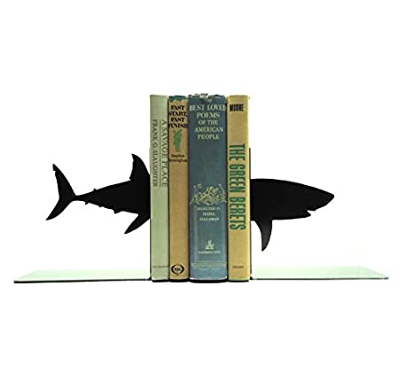 shark book ends image