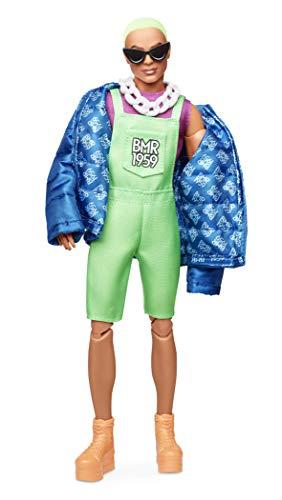 Barbie GHT96 BMR1959 Ken Streetwear Signature bewegliche Puppe mit neonfarbenem Haar, Overall und gepolsterter Jacke, inkl. Accessoires und Puppenständer