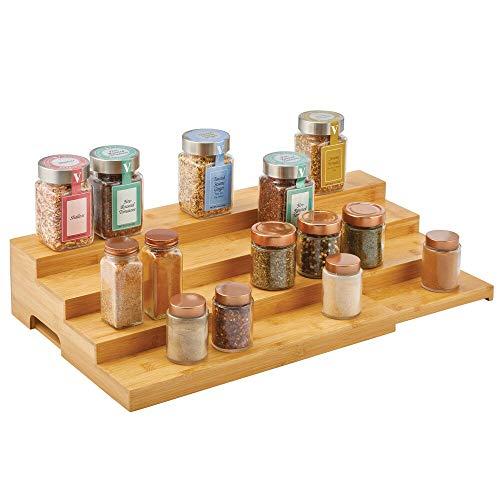mDesign Scaffale portaspezie estendibile in bambù – Porta spezie cucina da posizionare su mensole, scaffali, dispensa ecc. – Scaffale da cucina con 4 livelli – naturale