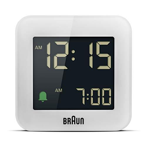 Braun Reloj Despertador de Viaje Digital función repetición, tamaño Compacto, Pantalla LCD Negativa, configuración rápida, Alarma por pitido en Crescendo en Blanco, Modelo BC08W.